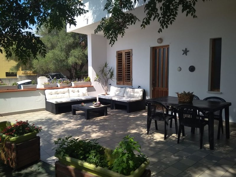 Appartaments Oleandro, holiday rental in Baunei