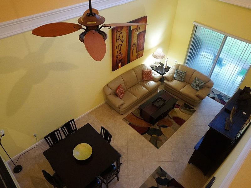 BEAUTIFUL WELL APPOINTED TOWNHOME, Seasonal (6 Month Min, Board Approval Req), vacation rental in Vero Beach