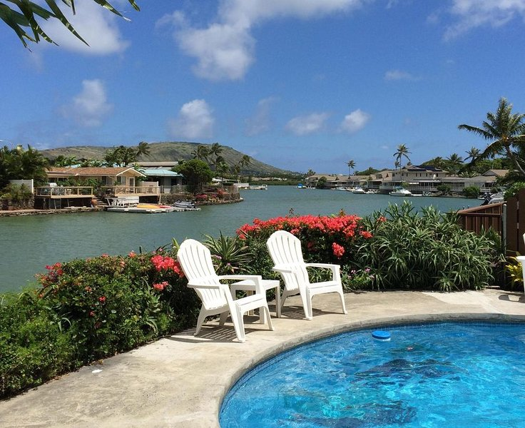 Hawaiian Waterfront Home with Private Swimming Pool and Mountain Views, vacation rental in Honolulu