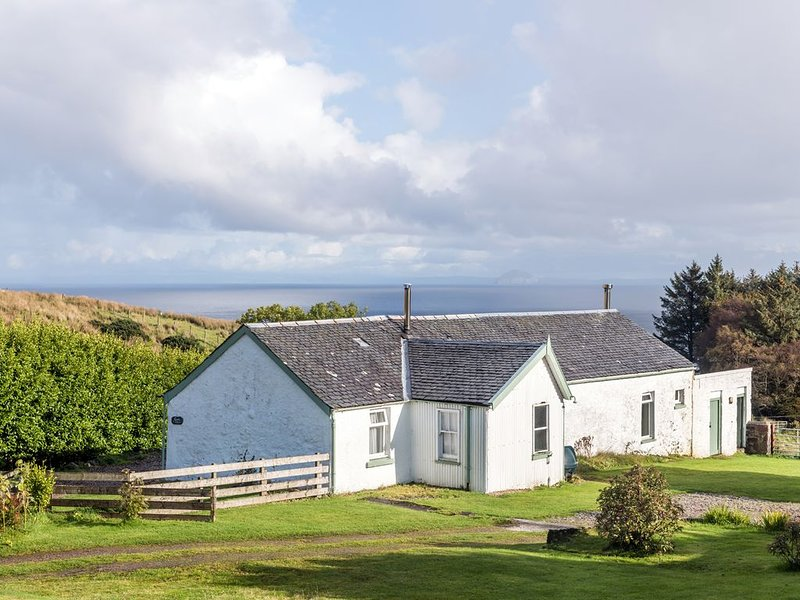 Quiet, cosy country cottage with views across the Firth of Clyde to Ailsa Craig, holiday rental in Kintyre Peninsula