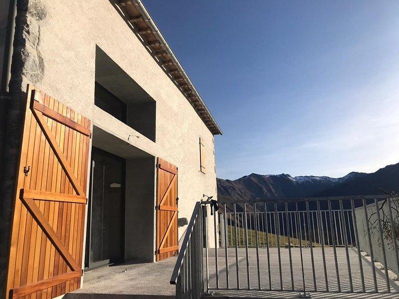 Gîte à la vue exceptionnelle au sommet du Col d'Ichère, holiday rental in Accous