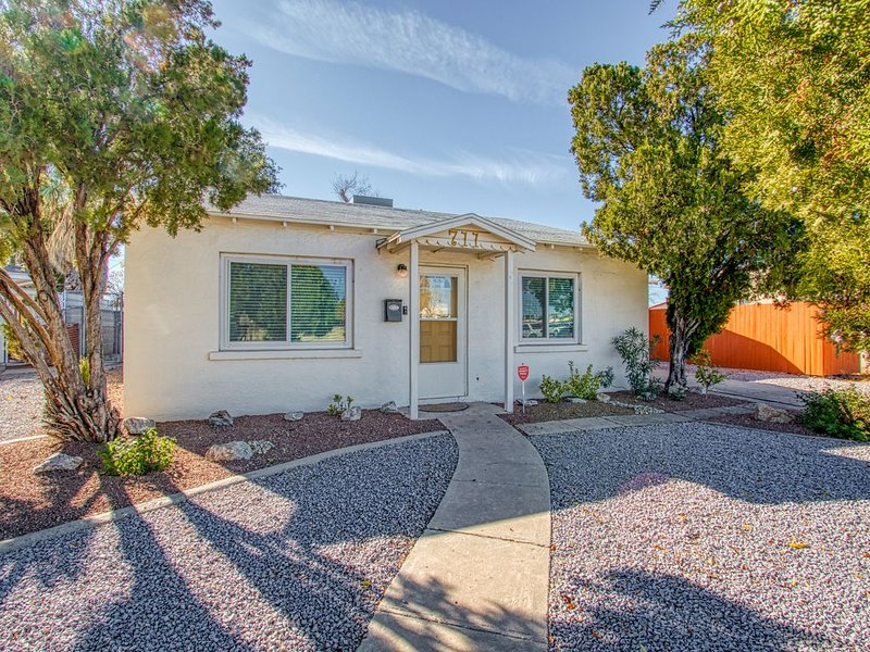 Adorable 2 BR at the heart of town!, casa vacanza a Las Cruces