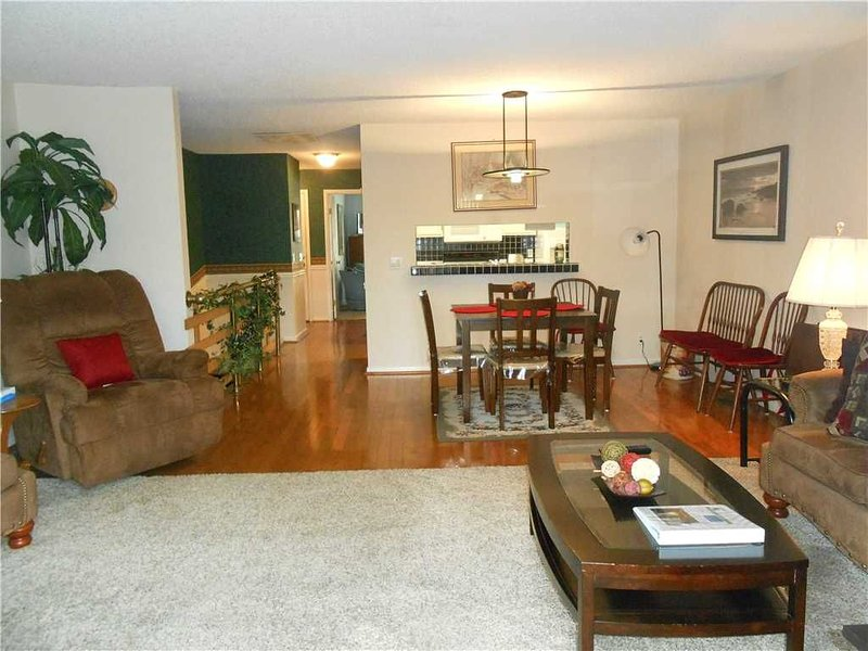 Unit 0449: 3 BR / 3 BA townhouse in Hot Springs Village, Sleeps 6, vacation rental in Hot Springs Village