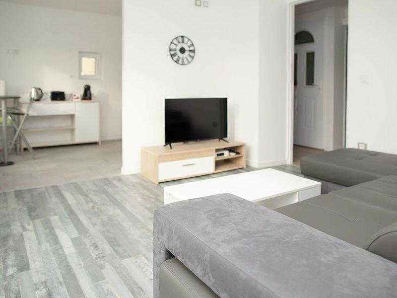 Maillochon - 2 chambres, holiday rental in Neuville de Poitou