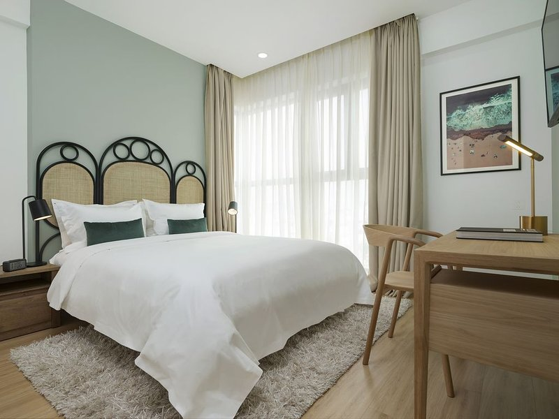 LUXURY 3BR SAIGON BOHO RIVERVIEW I 5 MINS BEN THANH MARKET D1, vacation rental in Dong Nai Province