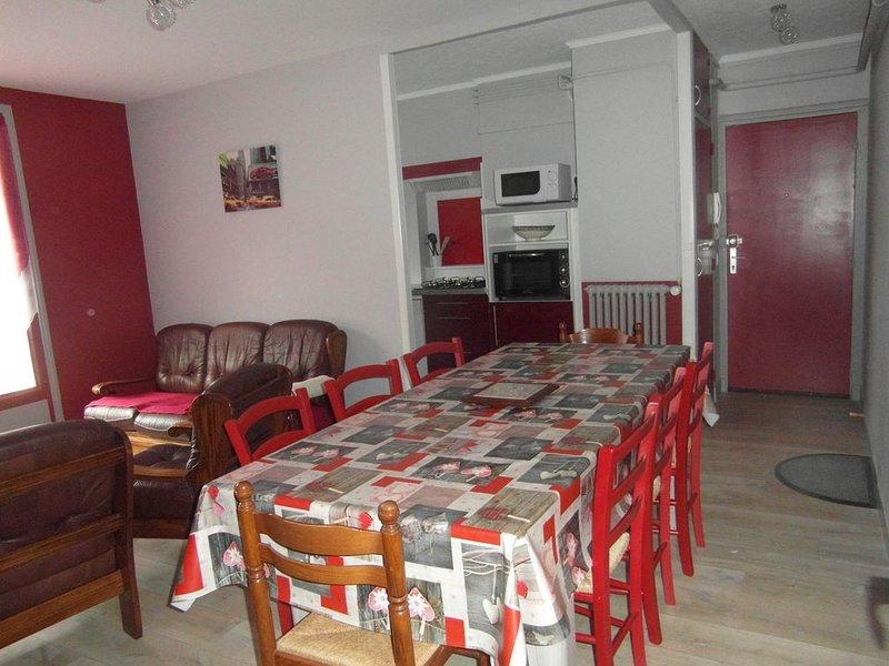 Appartement pour vacances, cures, ou saisonniers, holiday rental in Bagneres-de-Luchon