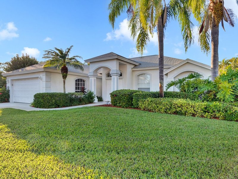 Light and Bright describes this 3/2 Pool home with long beautiful lake views, vacation rental in Naples