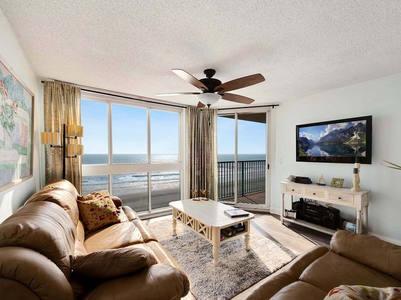 NOW AVAILABLE Sept 5-26 $795 Pinnacle 502 Direct Oceanfront 3Bed 2Bath Condo, holiday rental in North Myrtle Beach