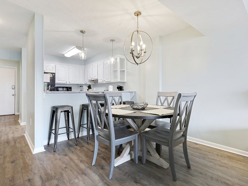 Completely Renovated, Quiet Waterfront Getaway, vacation rental in Gulf Shores