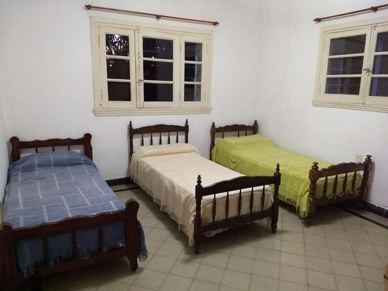 Oportunidad Hermosa Casa Centro Mina Clavero, aluguéis de temporada em Villa Cura Brochero