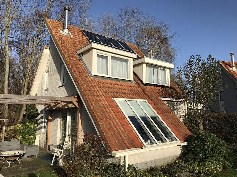 Top Ferienhaus mit Garten, Kamin und Terrasse für 6 Personen, holiday rental in Brouwershaven
