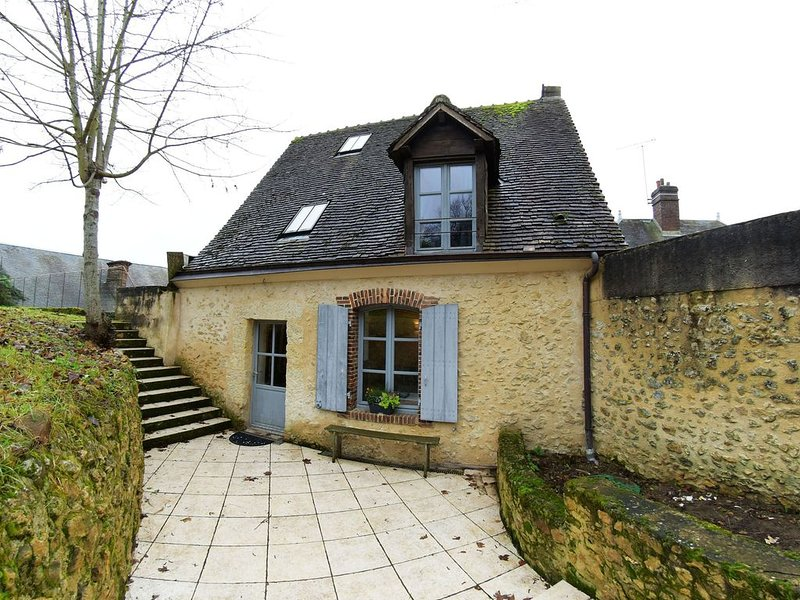 «Chez Mémé Caillou» gîte 6 personnes, holiday rental in Saint-Jean-des-Echelles