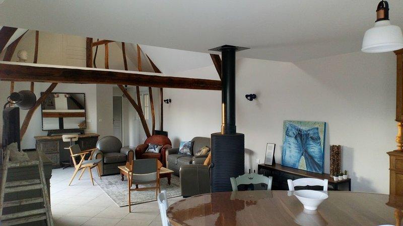 Fermette, longère aménagée en gîte de charme, holiday rental in Buire-le-Sec