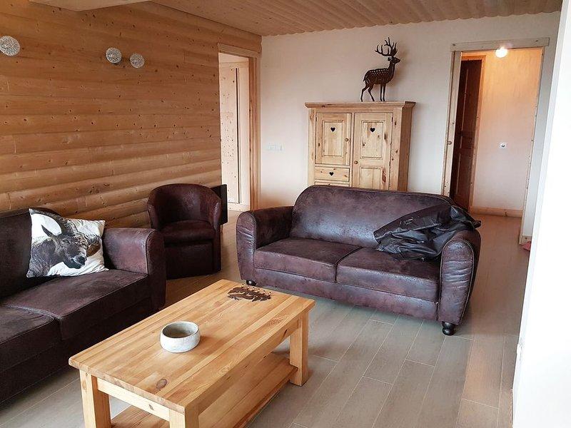 Appartement BOUQUETIN dans chalet neuf avec vue sur lac de Matemale 8 couchages, holiday rental in Les Angles