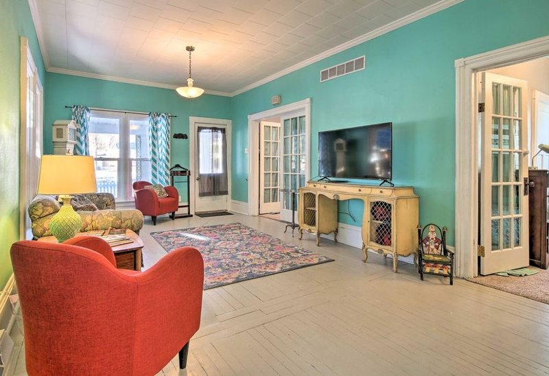 Shabby chic updated downtown living, vacation rental in Algoma