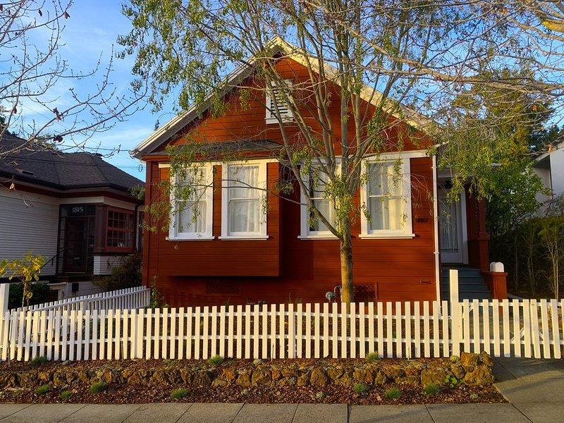 Centrally located peaceful modern farmhouse (3bd/2ba), alquiler de vacaciones en Albany