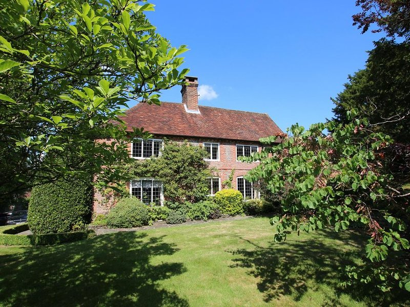 Stunning Grade II Listed Country Home, location de vacances à Wisborough Green