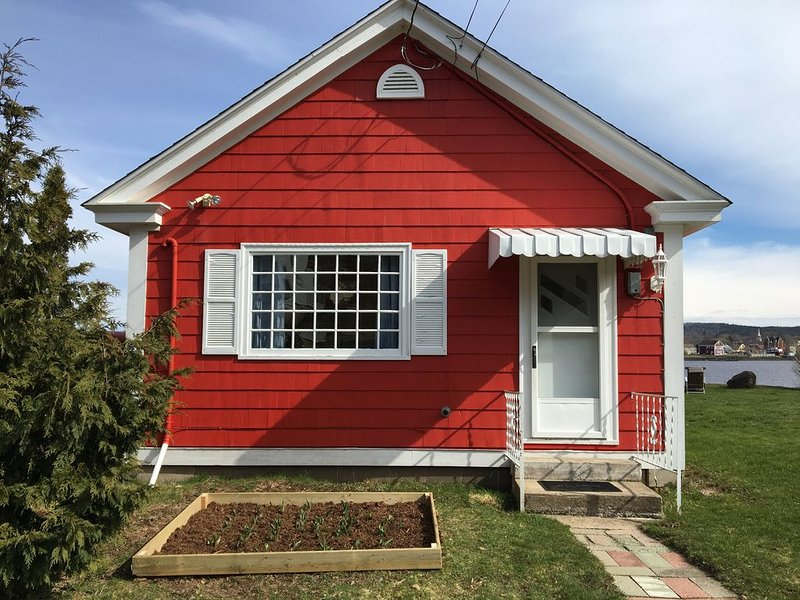 Little Red Cottage Nova Scotia, holiday rental in Annapolis Royal