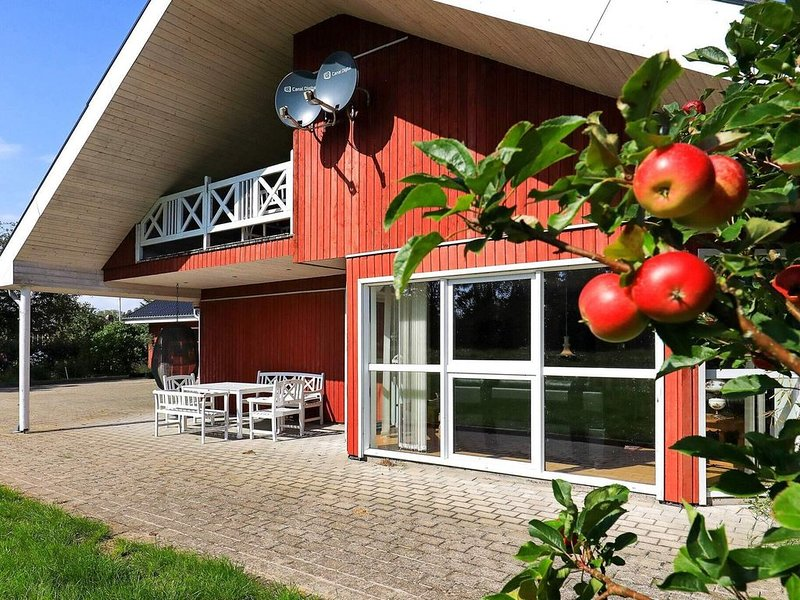 Classic Holiday Home in Jutland with Terrace, vacation rental in Asaa