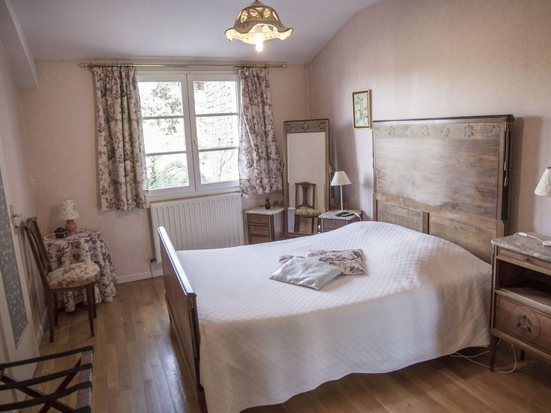 Chambre double vue sur jardin, holiday rental in Rugney