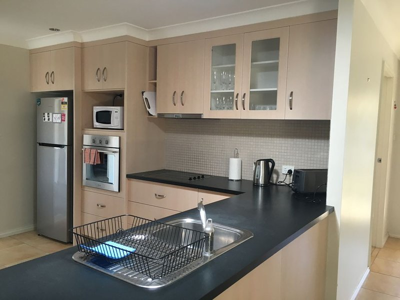 Lae Avenue Cottage East, pet friendly, free wifi, holiday rental in Tamworth