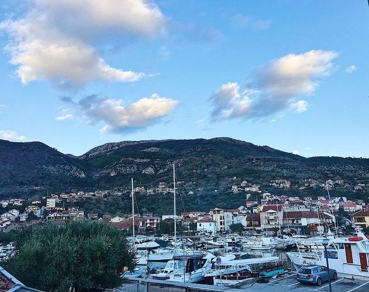 Cozy, near beach apartment – semesterbostad i Tivat
