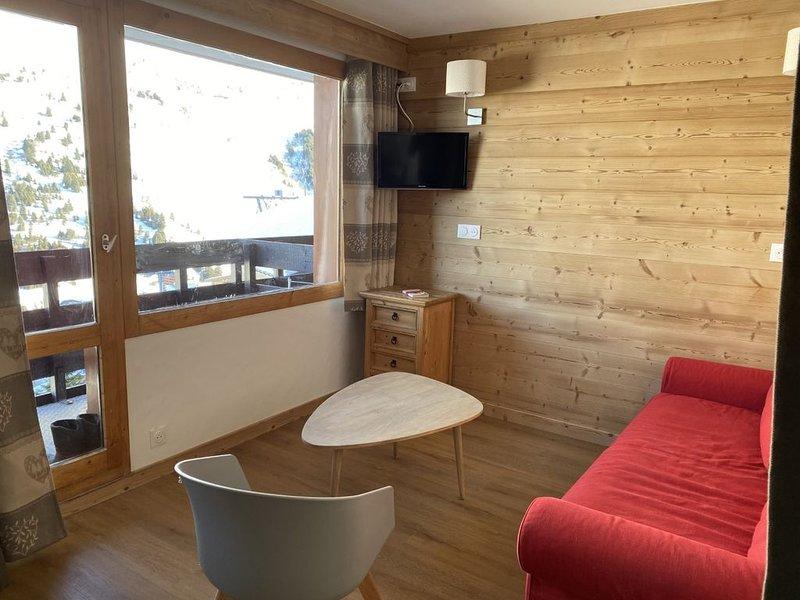 Magnifique appartement 3***-Méribel Mottaret entièrement rénové/ 4-5 pers. WiFi!, vacation rental in Meribel Mottaret