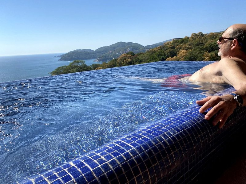 HOLIDAYS OPEN! View from Top of the World. Dipping pool. Casa Que Ve al Mar., location de vacances à Zihuatanejo