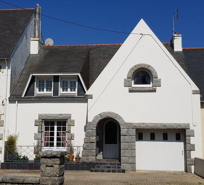 Maison plein centre ville de Crozon, vacation rental in Lanveoc