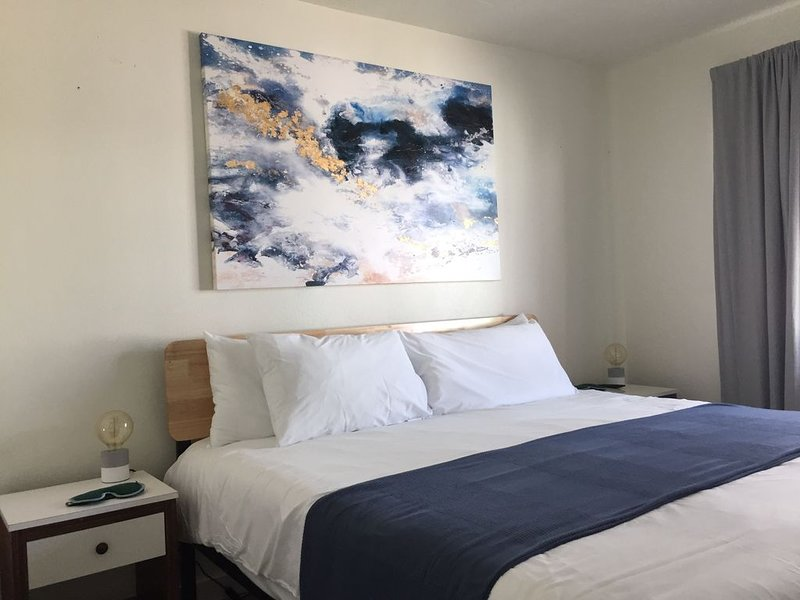 The Ocean Blue one bedroom suite, vacation rental in Lido Key