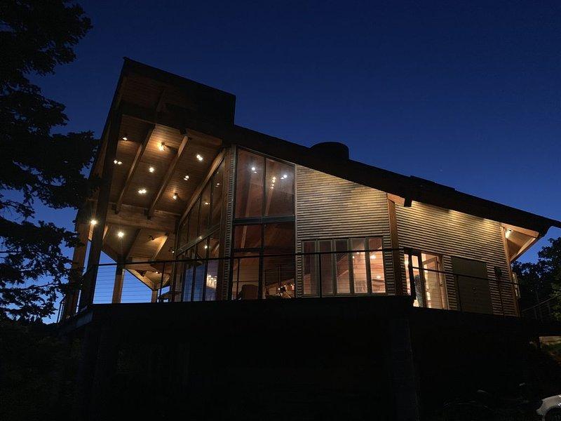 Luxury Private Cabin. Spectacular setting! 4 Bdrms, 80 acres, Hot Tub., casa vacanza a Coalville