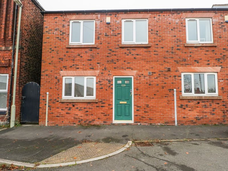 Portland Mews, LEEK, holiday rental in Bagnall