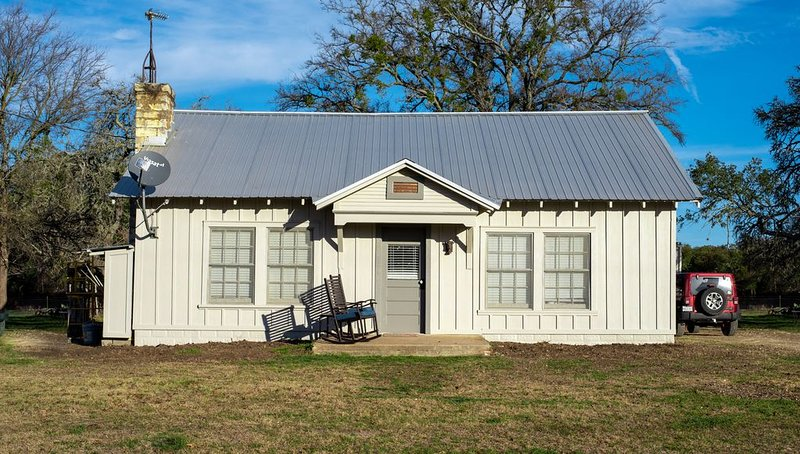 Hill Country Farm Stay, holiday rental in Liberty Hill