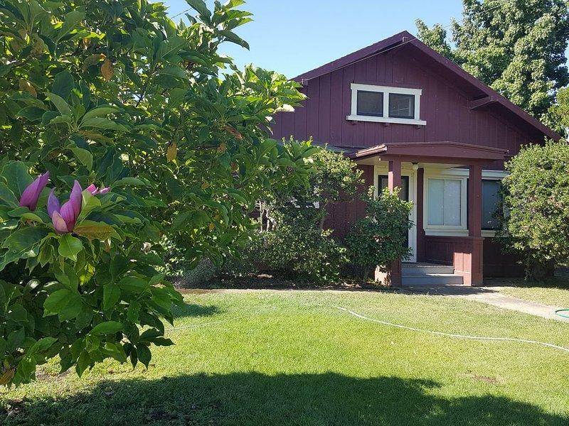 Orchard Road Cottage, location de vacances à Acampo