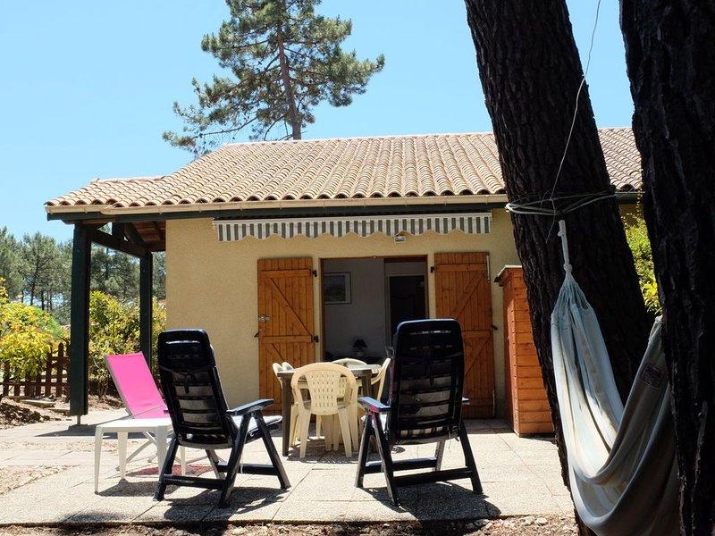Piscine, pinède, sport et repos à Lacanau-Océan, holiday rental in Gironde
