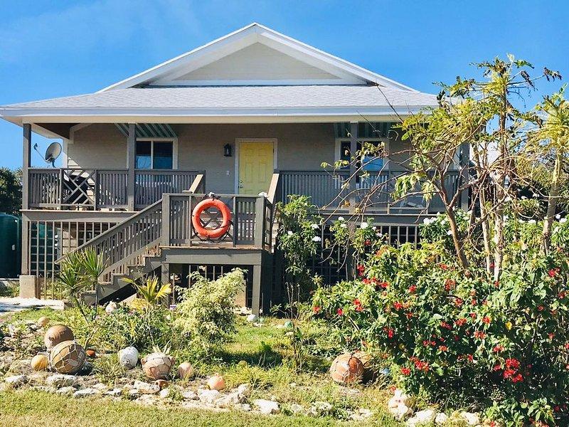 Brand New! Sandy Toes - walking distance to Twin Beach, location de vacances à Rainbow Bay