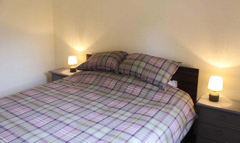Spacious 1 bed apartment in Bagnères-de-Luchon, holiday rental in Saint-Mamet