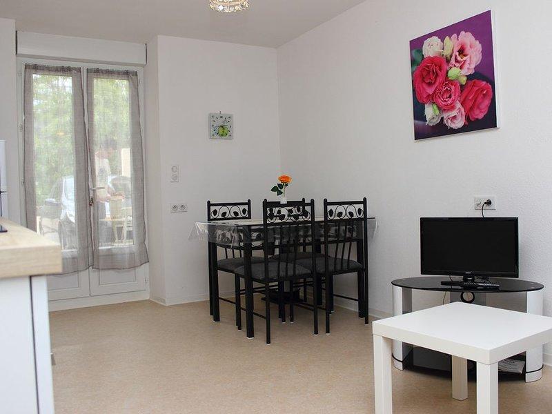 Bel appartement avec terrasse accessible  aux personnes a mobilités réduites, casa vacanza a Le Poujol-sur-Orb