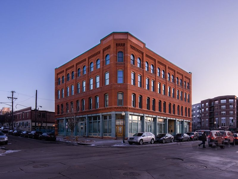 Gorgeous Penthouse Historic Loft in Rino, vacation rental in Denver