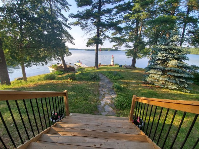 Lake House on Buck! Clear fresh water and Classy Cottage – semesterbostad i Westport