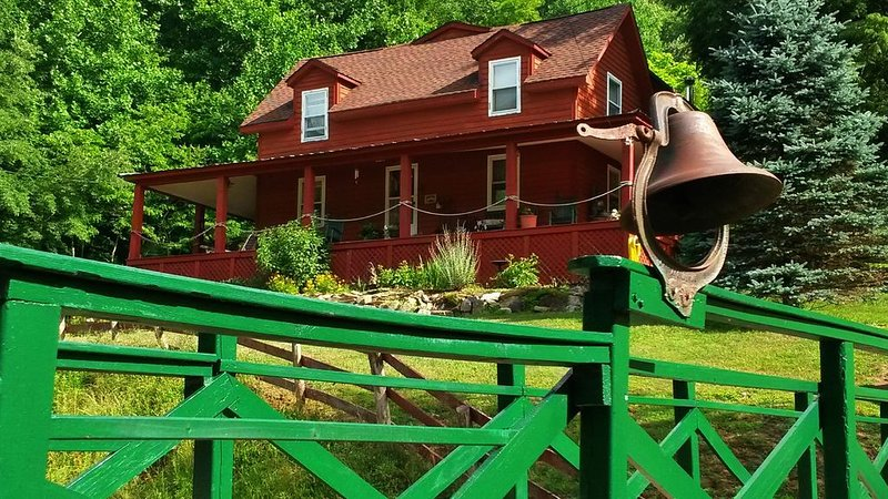 Bed and Breakfast in the Mountains, holiday rental in Roan Mountain