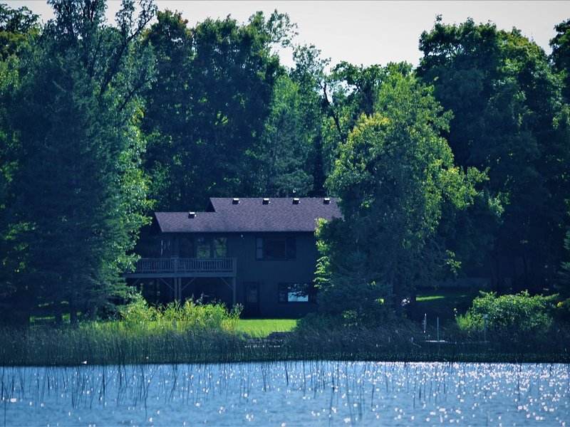 Perfect for Fall Colors and Winter Activities!  Large Cabin on a Beautiful Lake!, holiday rental in Ogema