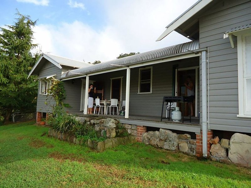 Woll on Kerripit - 4 Br House overlooking the Kerripit River, holiday rental in Barrington