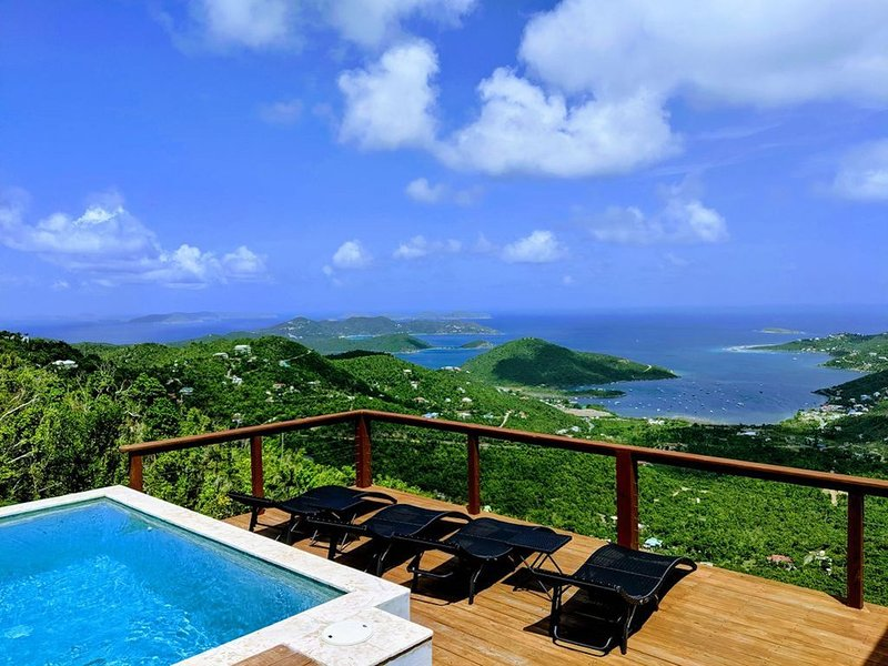As Seen on HGTV - Amazing Views, Great Central Location & Powered by Solar, alquiler vacacional en Jost Van Dyke