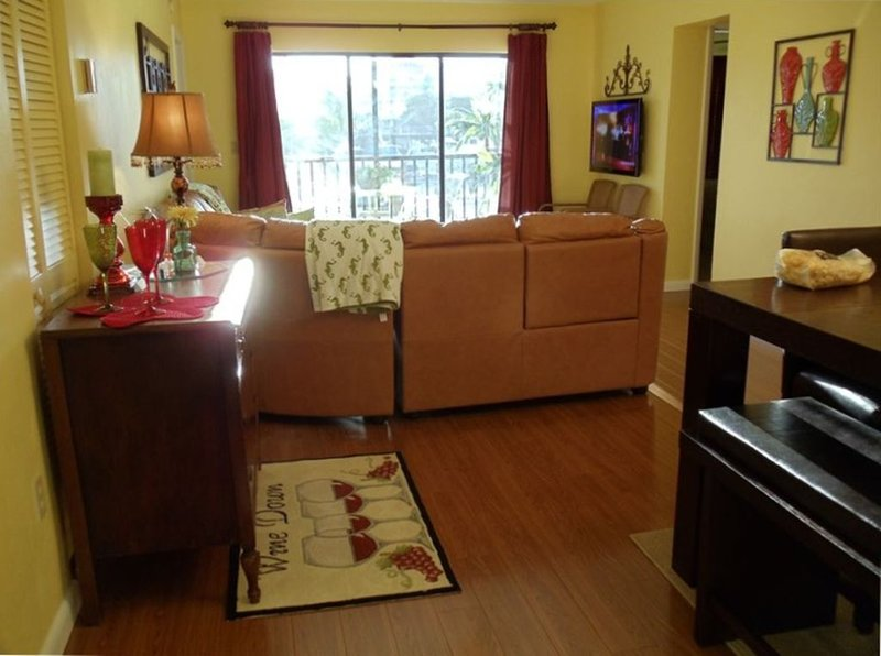 Loaded 3 BR Condo with Boat Slip, vacation rental in Fort Myers Beach
