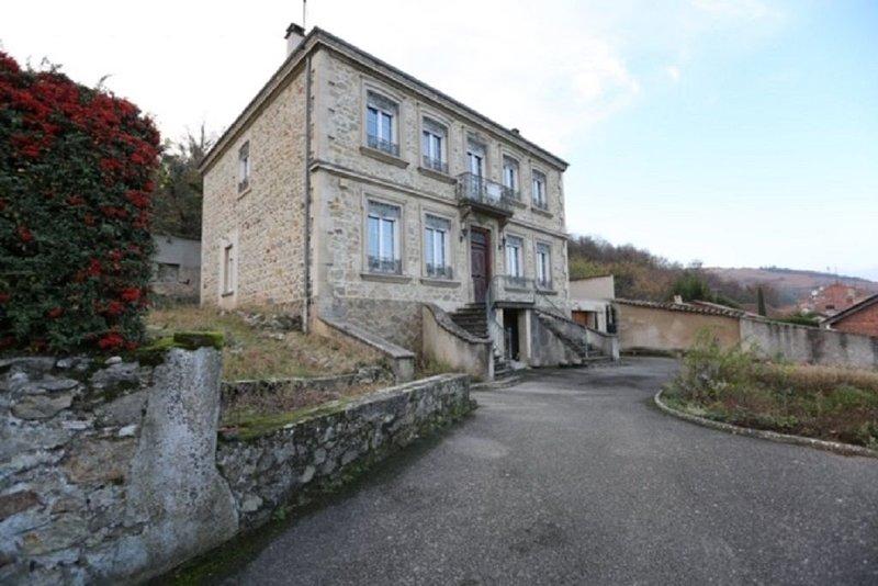 Maison de maître de grande capacité, holiday rental in Roisey