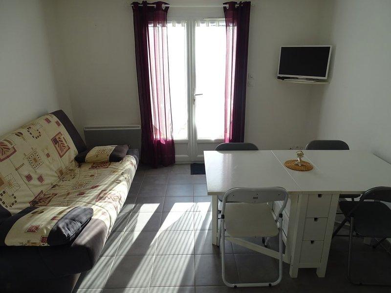 Maison dans résidence avec piscine à 10 mn de la plage, location de vacances à La Faute sur Mer