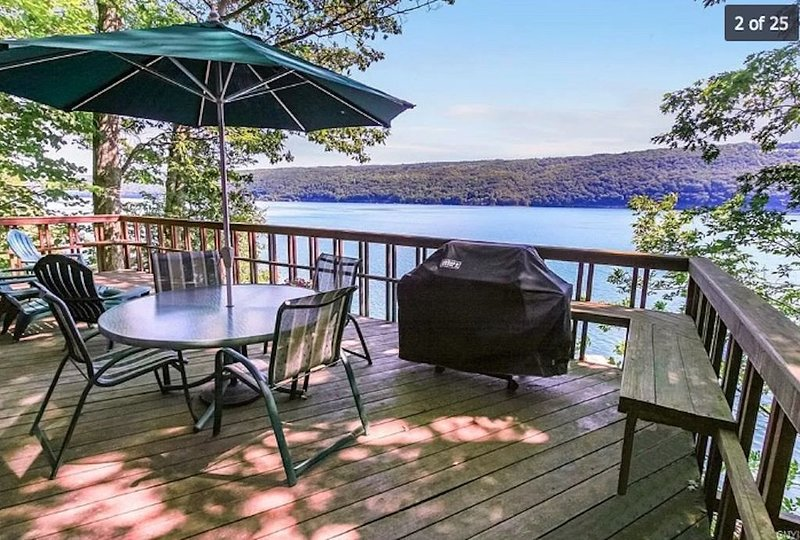 No Better View Exists on the Lake!, holiday rental in Ridgemont