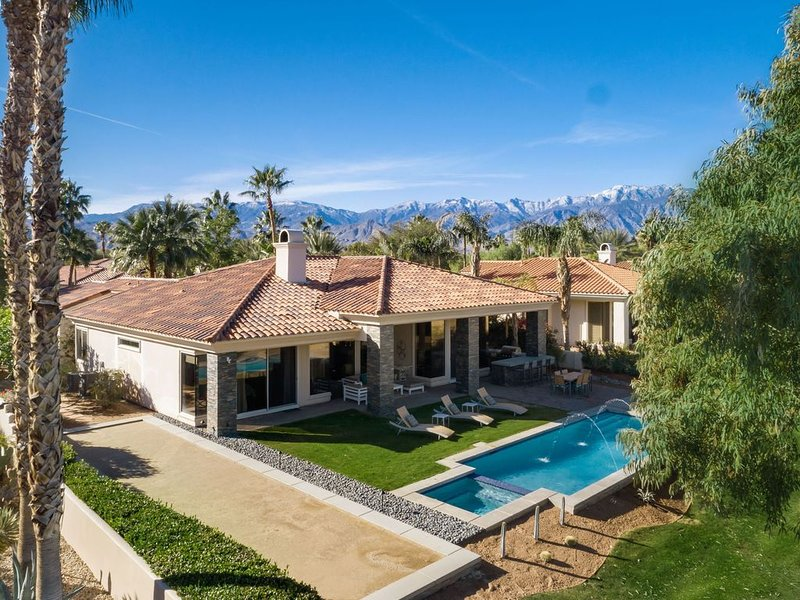 Mini Estate in Exclusive Rancho Mirage, holiday rental in Sky Valley