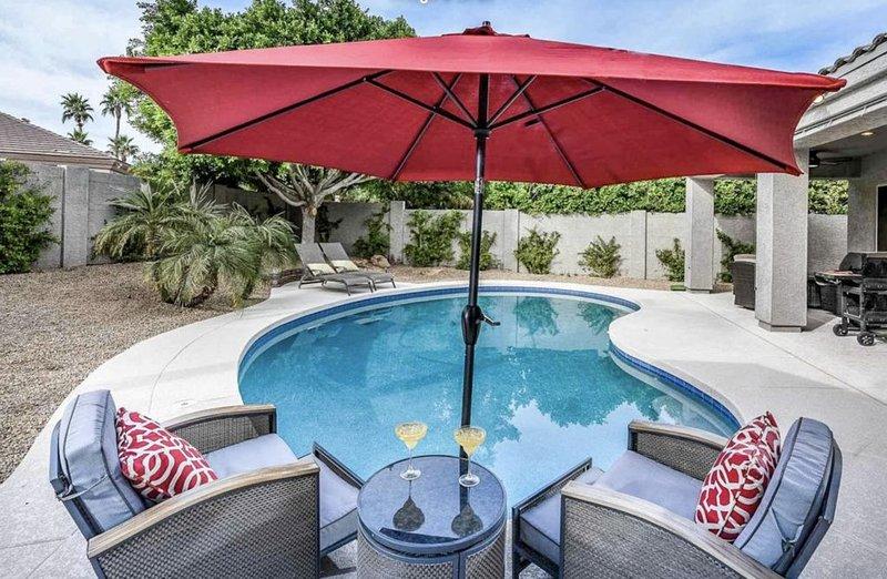 Beautiful Home in Convenient Location with Private Pool!, casa vacanza a Sun City